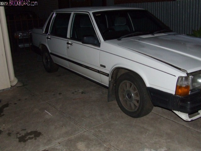 Volvo 700 -- Parts or fixer?